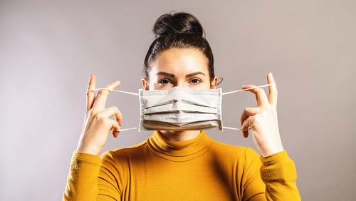 Jak prawidłowo korzystać z maseczek i rękawiczek ochronnych?